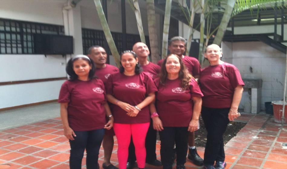 Fotografía de los miembros de la Cooperativa Eduardo Calcaño Calcaño