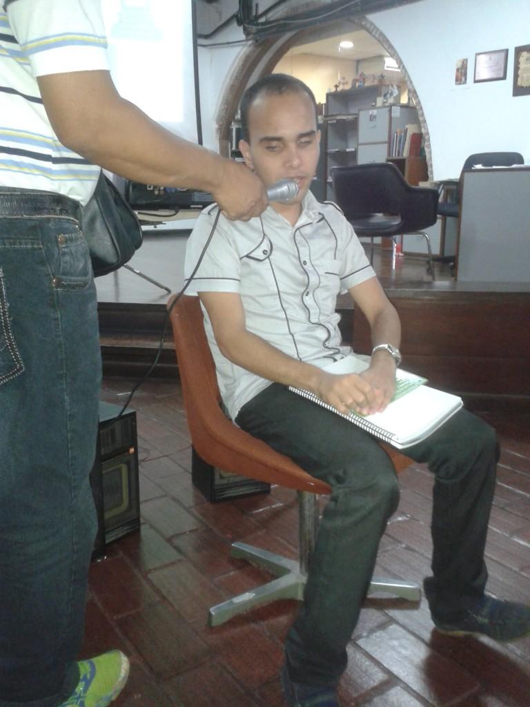 Foto de Carlos Martínez durante su ponencia