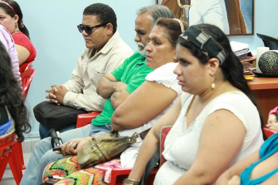 Representantes de ACIVA, APPDV y FEVIC en la reunión con CONAPDIS