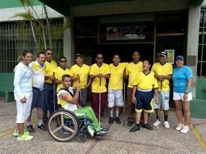 Tenistas con discapacidad visual y en silla de ruedas en la FVT, Caracas..