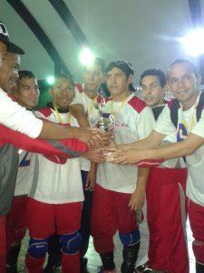 Selección de Distrito Capital con el trofeo del Nacional de goalball 2016.