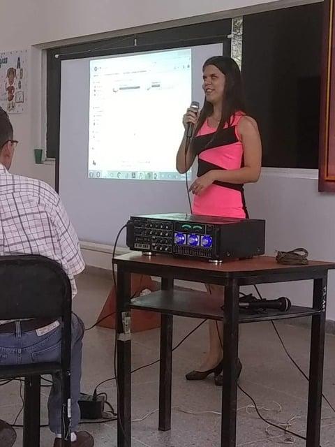 Maylin Duarte durante su participación en la jornada de intercambio de experiencias de vida. Auditorio de la UNES sede Táchira.